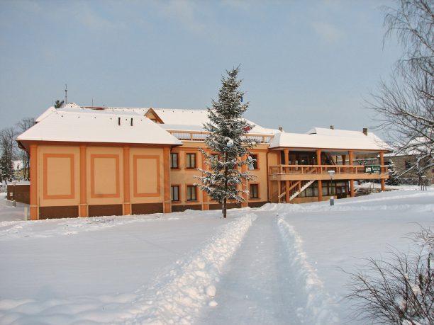 Radnice v zimě